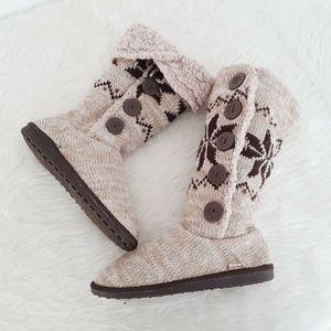 MukLuks Boots House Shoes Women 10 Tan Crochet Pul